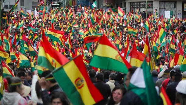 """Boliviens Präsident Morales spricht von """"Putsch"""""""