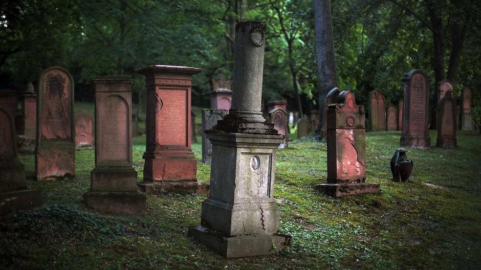 Zeugnis der Vergangenheit: Schon um 1000 fanden in Mainz die ersten jüdischen Begräbnisse statt. (Archivbild)