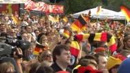 Freude über den Sieg zum WM-Auftakt