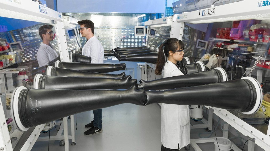 Am Helmholtz-Institut Ulm wird an einer neuen Generation von Batterien geforscht.