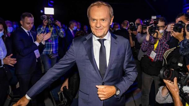 Polen steuert auf das Duell der Superschwergewichte zu