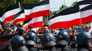 Über 150 politisch motivierte Straftaten in drei Monaten