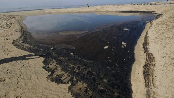 Kampf gegen Ölteppich vor Kalifornien