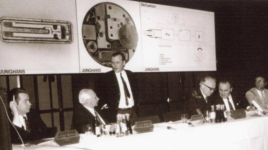 Bei der Pressekonferenz am 14. April 1971 im Hotel Intercontinental in Frankfurt(Main) präsentierte Junghans stolz seine erste Quarz-Armbanduhr - die Astro-Quartz.
