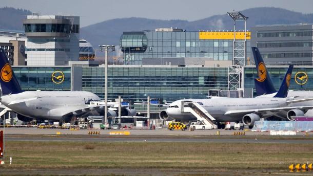 Frankfurter Flughafen meldet starken Rückgang an Passagieren