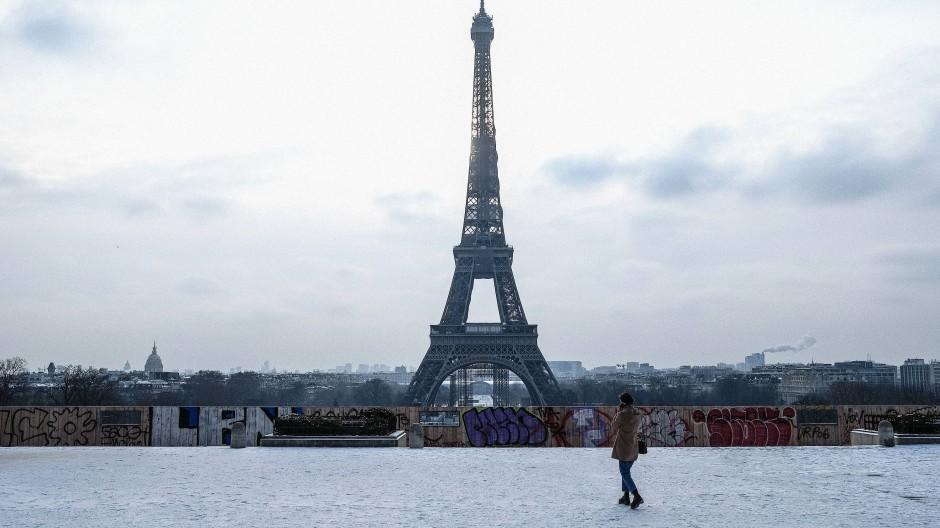 Paris mit dem Eiffelturm lockt die Solarisbank.