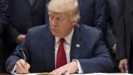 Mehr als 160 Firmen stellen sich gegen Trump