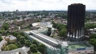 Die Brand-Ruine des Grenfell Towers in London