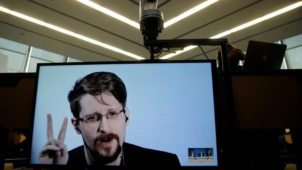 Edward Snowden will russischer Staatsbürger werden