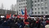"Aufgebracht: Demonstranten sehen den Norden Russlands als ""Müllgrube"" herabgewürdigt."