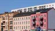 Altbau und neue Wohneinheiten in Berlin.