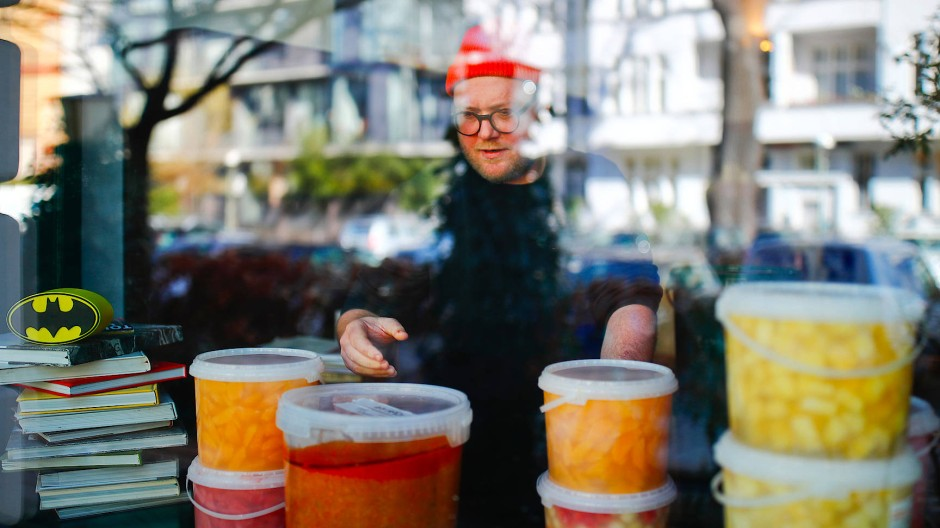 Kochen für Helden: Der Sternekoch Max Strohe hat ein Hilfsprojekt initiiert.