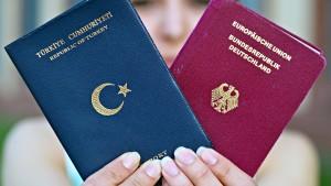 CDU macht Doppelpass zum Wahlkampfthema