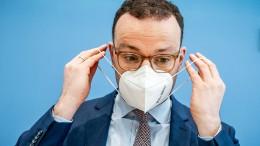 Dobrindt wirft SPD Foulspiel im Maskenstreit vor