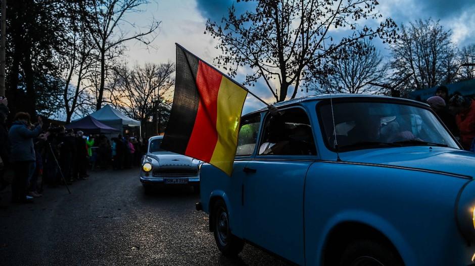 Trabis bei einer Feierlichkeit zum 30. Jahrestag des Mauerfalls in Mödlareuth, Bayern