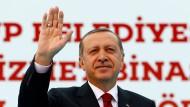 Für ihn gibt es keinen Unterschied zwischen kritischen Journalisten und Terroristen: Präsident Recep Tayyip Erdogan möchte das türkische Antiterrorgesetz nicht ändern.