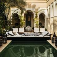 Traditionell marrokanisch lässt Stylist Pablo Paniagua das Zuhause von Maite and Paolo Bulgari in Marrakesch erstrahlen.