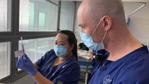 Pharma-Unternehmen testet Covid-19-Impfstoff