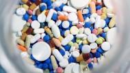 Mit dem neuen Syntheseverfahren können heterozyklische Verbindungen schneller gefunden und Medikamente wie Beruhigungsmittel oder Cholesterinspiegelsenker entwickelt werden.