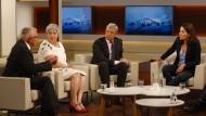 Anne Will und ihre Gäste diskutieren über den gescheiterten Staatsstreich in der Türkei.