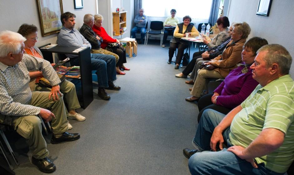 Auch ein Preis des Älterwerdens: Im Wartezimmer sitzen immer mehr multimorbide Patienten - Kranke mit mehreren Leiden gleichzeitig.