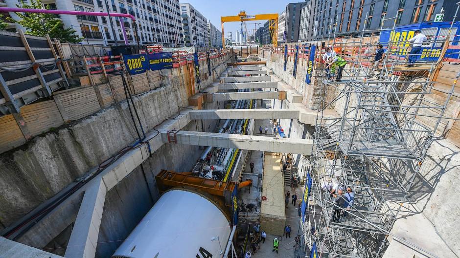 Projekt um Monate zurückgeworfen: Der Tunnelbohrer wurde bei den Arbeiten beschädigt (Archivbild).