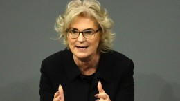 Lambrecht will mehr Freiheiten für Geimpfte