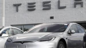 Hertz bestellt 100.000 Elektroautos von Tesla