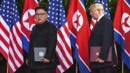 Erste Schritte zur Versöhnung? Kim Jong-un und Donald Trump beim Gipfeltreffen in Singapur (2018)