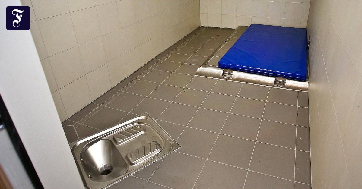 polizei darf 170 euro f r ausn chterung in rechnung stellen. Black Bedroom Furniture Sets. Home Design Ideas