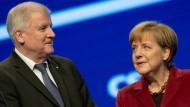 Hat Horst Seehofer durch den Clinch mit Angela Merkel die Landespolitik aus den Augen verloren?