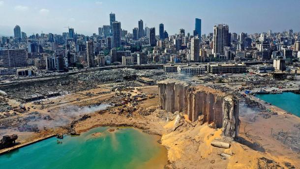 Halb Beirut von Explosion betroffen
