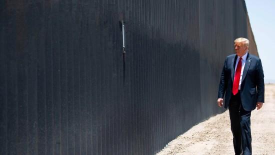 Trump lobt die Mauer zu Mexiko