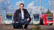 Vom Headhunter gefunden, mit der Wohnung gelockt: Simon Schenk brauchte für seine neue Stelle bei den Kölner Verkehrsbetrieben eine Bleibe.