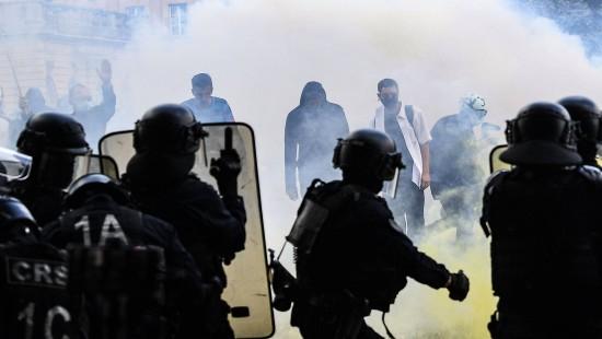Tränengas-Einsatz bei Pflegepersonal-Protest