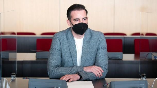 Gericht stellt Verfahren gegen Chatpartnerin von Metzelder ein