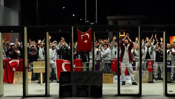 Türkische Gewerkschaft zieht VW-Werk in Zweifel