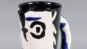 Mann vergisst echten Picasso-Krug im Zug