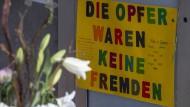 Rassistischer Anschlag in: Hanau: Gedenken der Opfer am Tatort