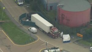 Polizei findet 39 Tote in Lkw-Container
