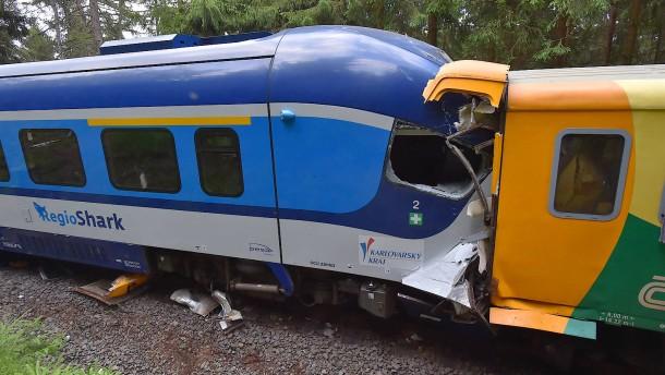 Deutscher unter den Toten bei Zugunglück zwischen Tschechien und Sachsen