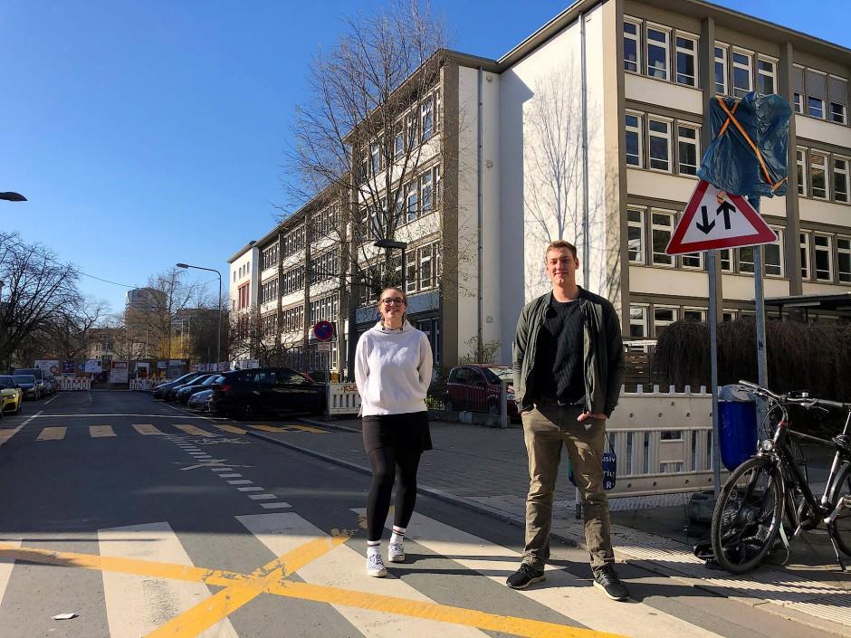 Nastasja Lange und Magnus Mannel von der Schillerschule