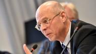 Klaus Beier, Leiter des Instituts für Sexualwissenschaft und Sexualmedizin an der Charité, bei der Pressekonferenz: 134 Jungen haben sich hilfesuchend an das Projekt gewandt.