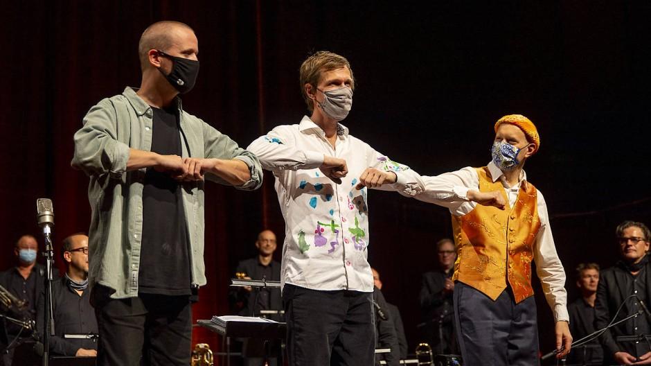 Der Pianist Django Bates und die HR-Bigband erhalten wenigstens einen Bruchteil des 51. Frankfurter Jazzfestivals.