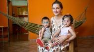 Dankbar: Die ärztliche Hilfe, die ihren Kindern zukam, wünscht sich Sonia Villalba auch für andere Familien.