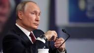 Präsident Putin beim Wirtschaftsforum in St. Petersburg