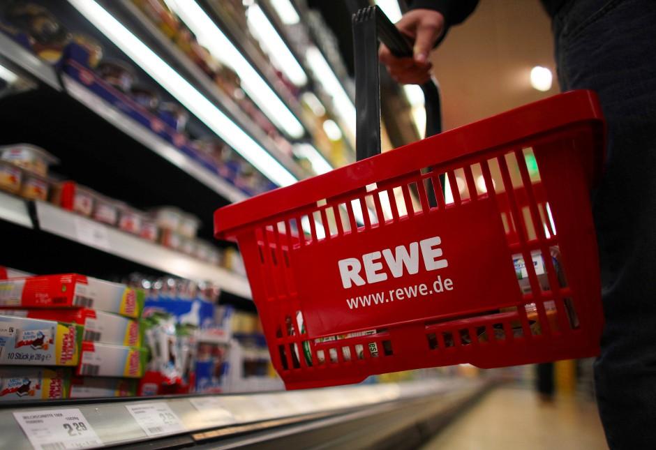 Kunden mit wenig Geld haben immer einen Einkaufszettel dabei.