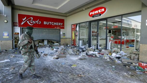 Militär soll Polizei in Südafrika unterstützen