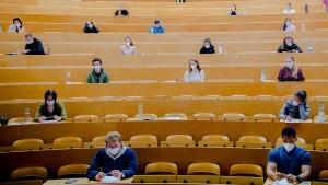 Mehr Studenten verschulden sich in der Corona-Pandemie