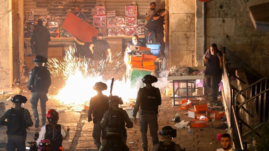 Israelische Polizisten in der Nähe des Damaskus-Tors in Jerusalem